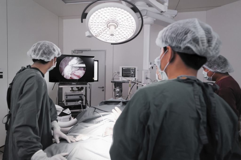 Florida network of hernia care doctors & surgeons discuss many hernia repair procedures using the laparoscope.